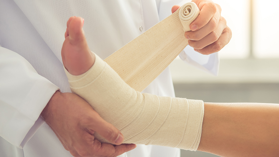 first aid types of bandages virtual college