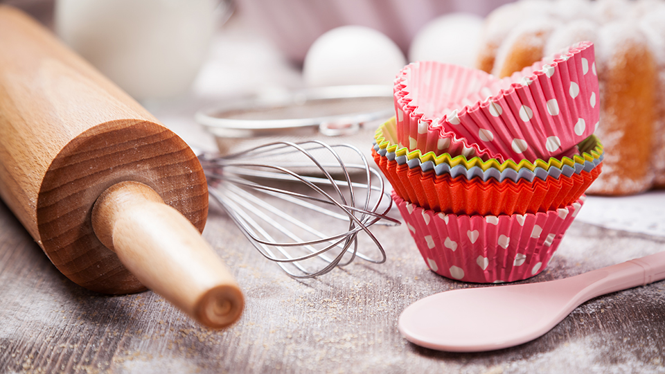 Rolling pin and cupcake